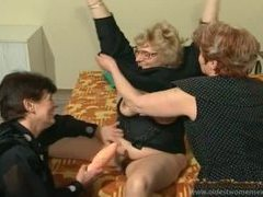 Chubby old ladies do it dirty in a threesome videos