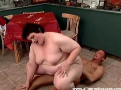 Bbw skillfully sits on his cock meat tubes