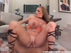 Huge tits curvy girl laid by a hard cock videos