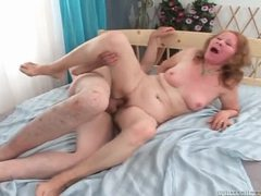 Horny mature slut gets her shaved pussy rammed raw videos