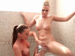 Cunt licking lesbo hotties in the bathtub videos