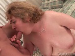 Chubby mature slut gets oiled up then gives blowjob movies at lingerie-mania.com