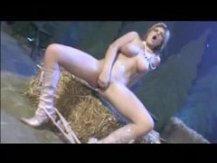 Babe on a hay bale sucks a big cock movies at kilotop.com