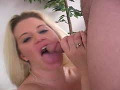 Bubble butt milf gives an energetic blowjob movies at freekiloporn.com