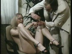 Kinky retro babe gets her hairy pussy clipped with pegs tubes