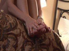 Cute amateur rubs her sexy little feet tubes