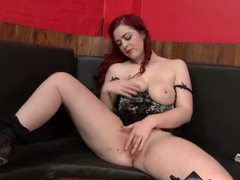 Solo redhead has the most amazing curves movies at kilosex.com