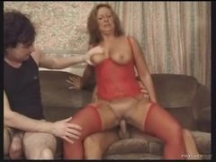 Fat ass milf in red lingerie loves gangbang videos