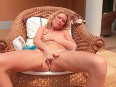 Blonde with curly hair masturbates solo outdoors movies at sgirls.net