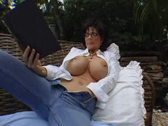 Deauxma masturbates and sucks dick outdoors videos