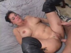 Nice big ass on mature slut in leather boots movies