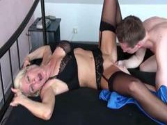 Creampie in her pierced milf pussy videos