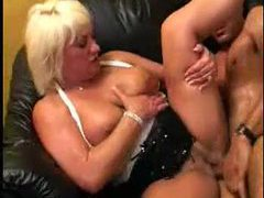 Chubby white milf sits on a dick videos