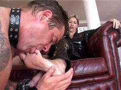 He licks the feet of the latex woman videos