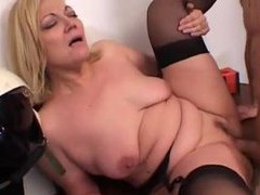 Curvy italian milf and her sexy scene videos