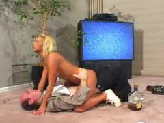 She wakes up drunken stepdad with a blowjob movies at freekilomovies.com
