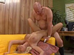 Older dude and young blonde slut get it on videos