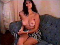 Milf amateur enjoys modeling her body videos