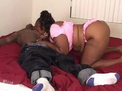 Horny fat black chick blow and bone tubes