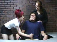 Miss kendra teaches goth girl to give handjob tubes