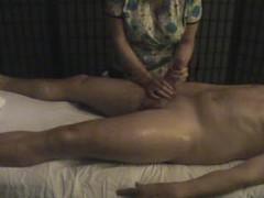Big dick dude gets handjob from masseuse videos