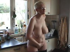 Big ass mature naked in her kitchen movies at kilosex.com