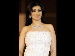 See a slideshow of ayesha takia clip