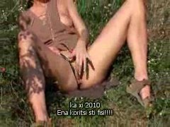 Girl in a green field masturbating tubes