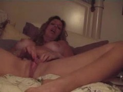 Mom with big sexy tits masturbating videos