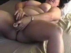 Hubby films bbw mom masturbating videos