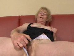 Masturbating mature finds a man to fuck her clip