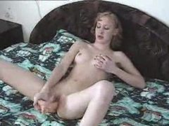 Skinny girl toy fucking in bed videos