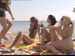 Bikini girls go home with him for group scene movies