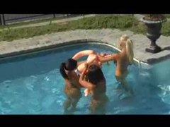 Babes in the sun have a lesbian threesome videos