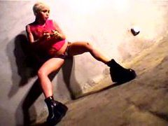Solo tattooed blonde with crazy tight body videos