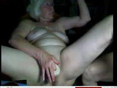 Granny on webcam toys her tight pussy videos