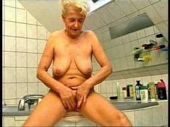 Bathing with german granny before fucking her videos