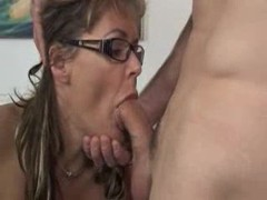 Milf fucks a young man that was to fix something videos