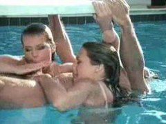 A threesome in the pool looks amazing movies at kilopics.net