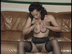 Mature doing a seductive solo set movies at freekiloclips.com