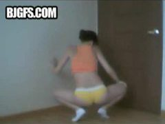 Hot girl shaking her booty in a dance movies at freekiloporn.com