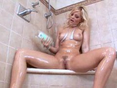 Bikini beauties coat their bodies in oil videos