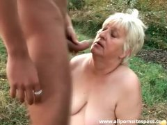He bangs fat old slut outdoors videos