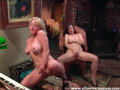 Luscious women masturbate together movies at find-best-babes.com
