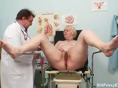 Hairy mature cunt needs a close up exam movies at kilotop.com