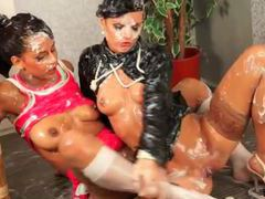 Women coated in slime like to kiss videos