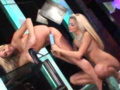 Blonde pussy eating and finger banging movies at find-best-babes.com