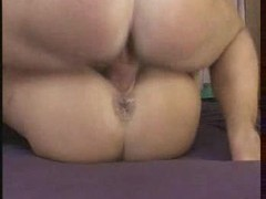 Girl on her back to take creampies videos