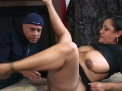 Eating out fat hairy chick that sucks him movies at adipics.com