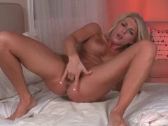 Two fingers inside the pussy of alicia secrets movies